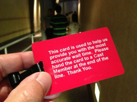 Disney que line wait time measurement card