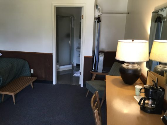 Rising Sun Motor Inn room